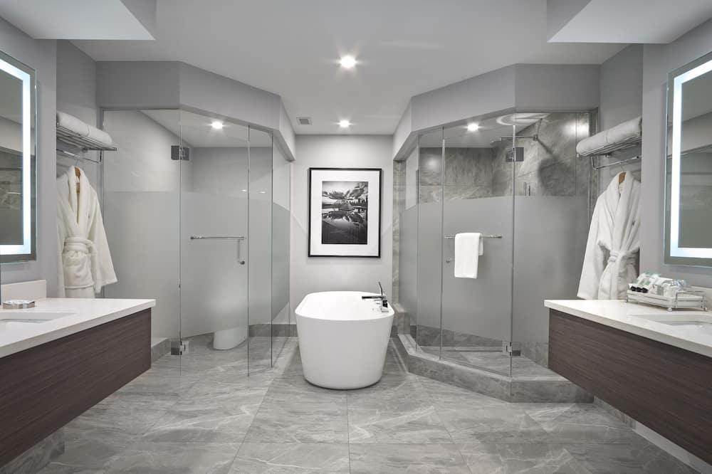 Grand lakosztály, 1 king (extra méretű) franciaágy - Fürdőszoba