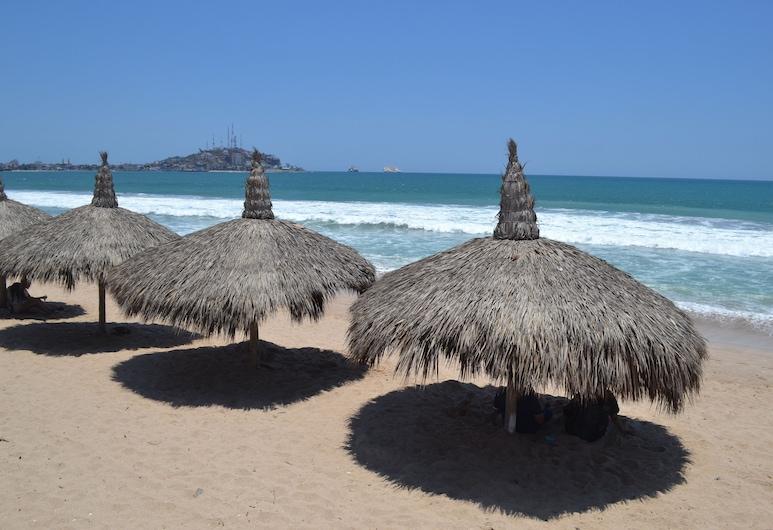 Hotel Sands Arenas, Mazatlan, Beach