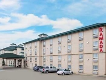 Naktsmītnes Ramada Red Deer Hotel and Suites attēls vietā Red Deer