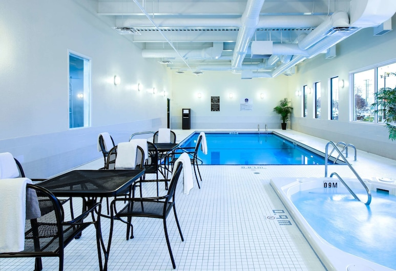 Best Western Plus Winnipeg Airport Hotel, Winnipeg, Piscina
