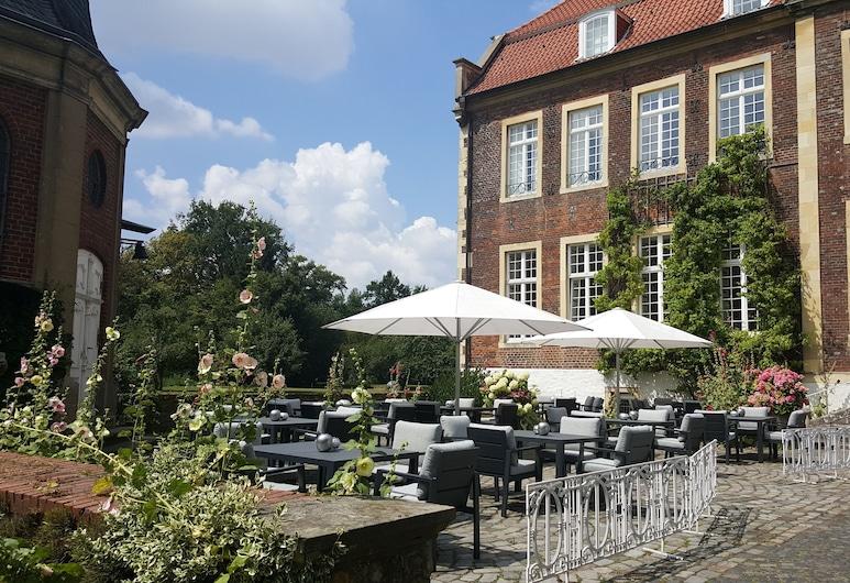 Hotel Schloss Wilkinghege, Münster, Exterior