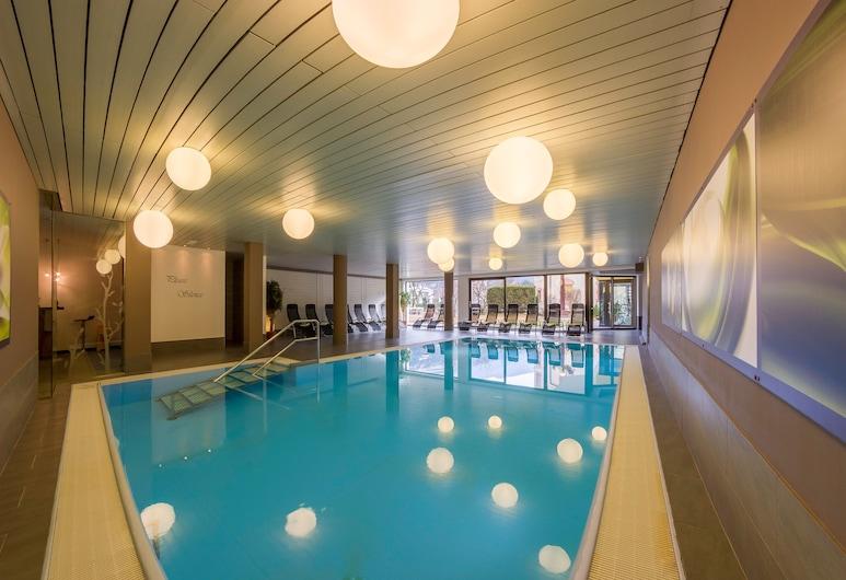 Dominik Alpine City Wellness Hotel, Bressanone, Sisäuima-allas