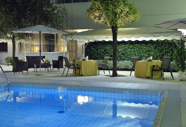 Hotel Perugia Plaza, Perugia, Basen odkryty