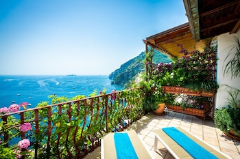 Enter your dates for special Positano last minute prices
