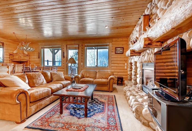 Black Bear Lodge, Park City, 2 Bedrooms/Silver/Private Hot Tub, Living Room