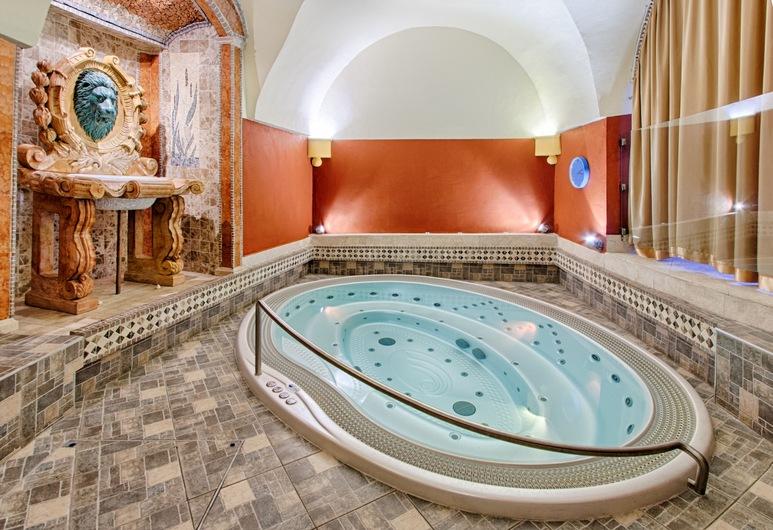 Hotel Hoffmeister, Praha, Massaaživann siseruumides