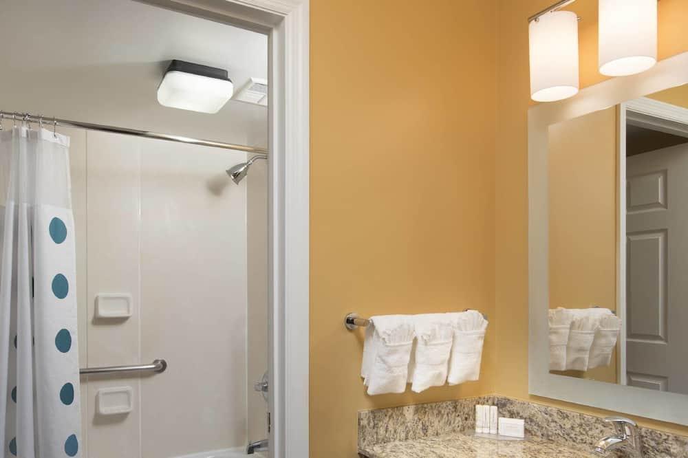 Suite, 2 kamar tidur, non-smoking - Kamar mandi