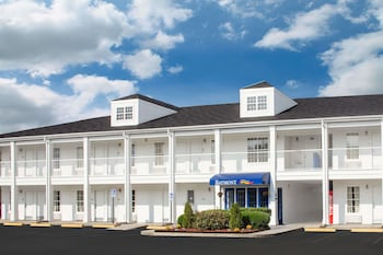 Picture of Baymont Inn And Suites Brunswick GA in Brunswick