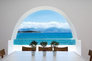 Mynd af Minos Beach art hotel í Agios Nikolaos
