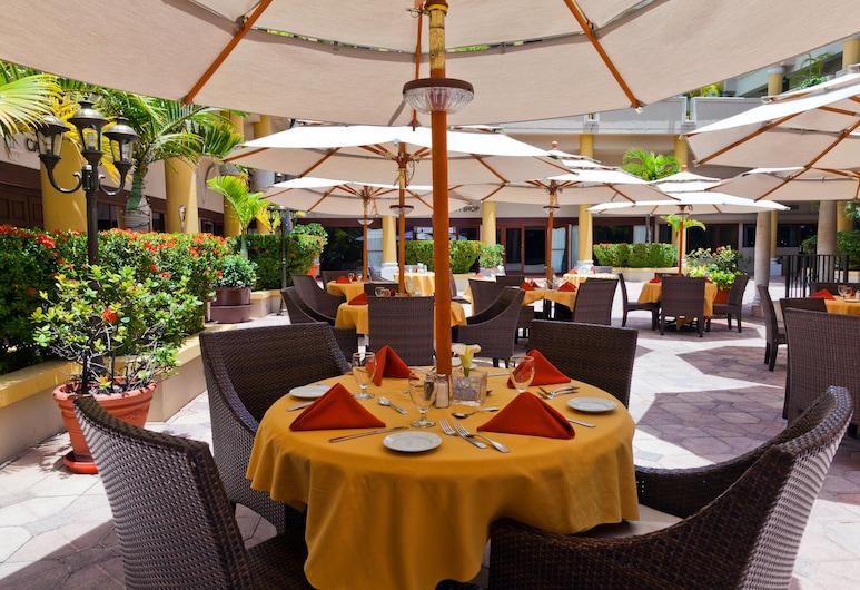 Windward Passage Hotel, St. Thomas, Dinerruimte buiten
