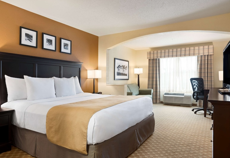 Country Inn & Suites by Radisson, Savannah Gateway, GA, Savannah, Studio Suite, 1 King Bed with Sofa bed, Non Smoking, Guest Room
