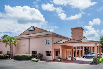 Foto van Days Inn by Wyndham Columbia in Columbia