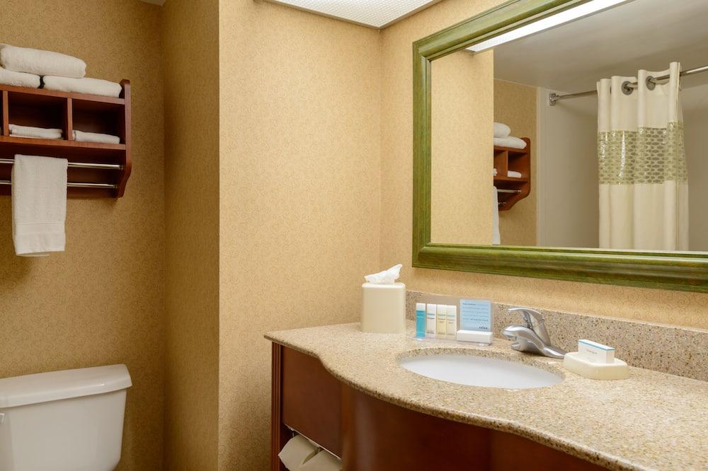 Two double beds non smoking - Bathroom