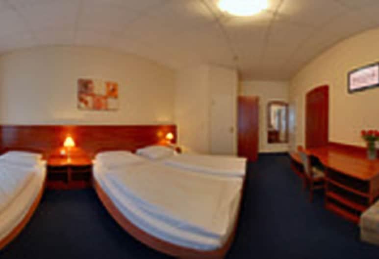 Hotel Terminus, Hamburg, Vierbettzimmer, Zimmer