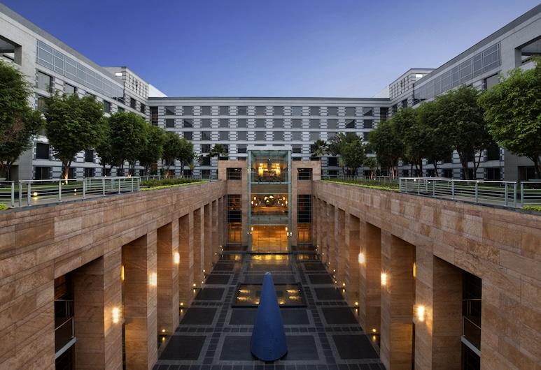 Grand Hyatt Mumbai Hotel and Serviced Apartments, Mumbai, Innenhof