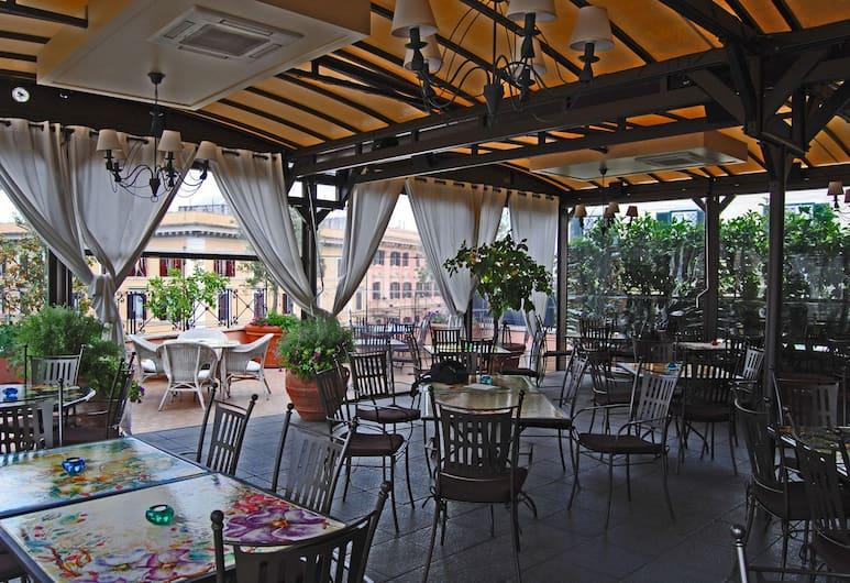 Dei Consoli Hotel, רומא, ארוחה בחוץ