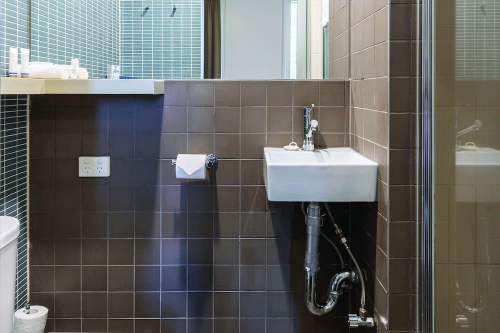 Chambre Standard, 1 lit une place, non-fumeurs - Salle de bain
