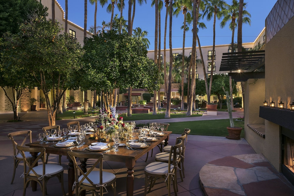 Tempe Mission Palms Destination Hotels Resorts Outdoor Dining