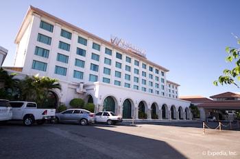 Picture of Waterfront Airport Hotel & Casino in Lapu Lapu