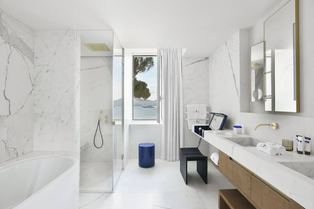 Duplex (Pinede Suite) - Bad