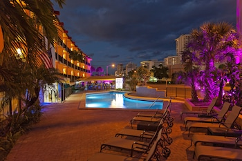 Picture of Royal Beach Palace in Fort Lauderdale