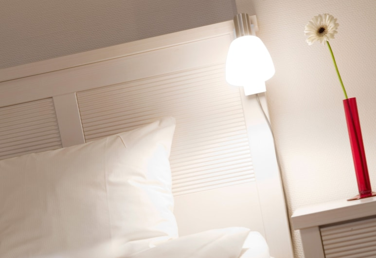 Hotel Tegnerlunden, Stockholm, Economy Double Room (140 cm bed), Guest Room