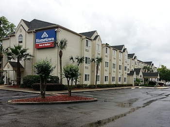 Picture of Hometown Inn & Suites Jacksonville - Butler Blvd./Southpoint in Jacksonville