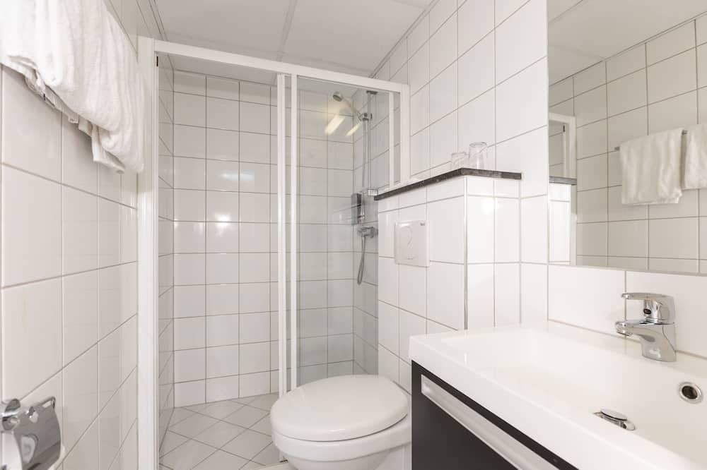 Standard Room, 1 Katil Ratu (Queen), Non Smoking - Bilik mandi