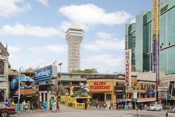 Picture of Travelodge by Wyndham Niagara Falls at the Falls in Niagara Falls