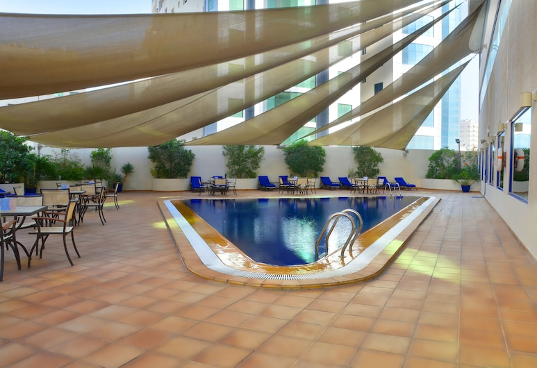Swiss-Belhotel Sharjah, שארג'ה, בריכה