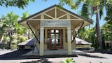 Book this Free Breakfast Hotel in Port Douglas