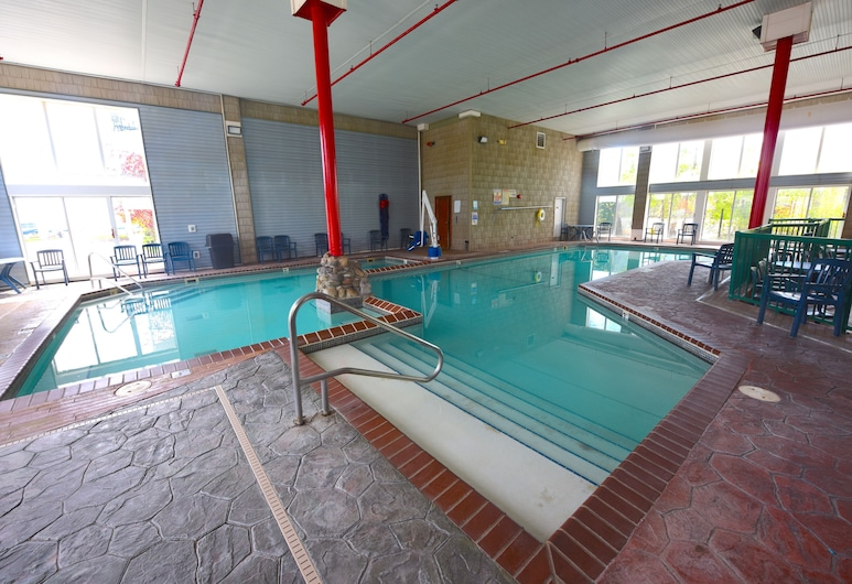 Crown Choice Inn & Suites Lakeview & Waterpark, Mackinaw City, Piscina