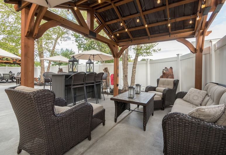 Best Western Plus Holland Inn & Suites, Holland, Terrasse/patio