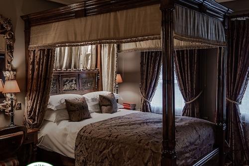 洛基酒店/