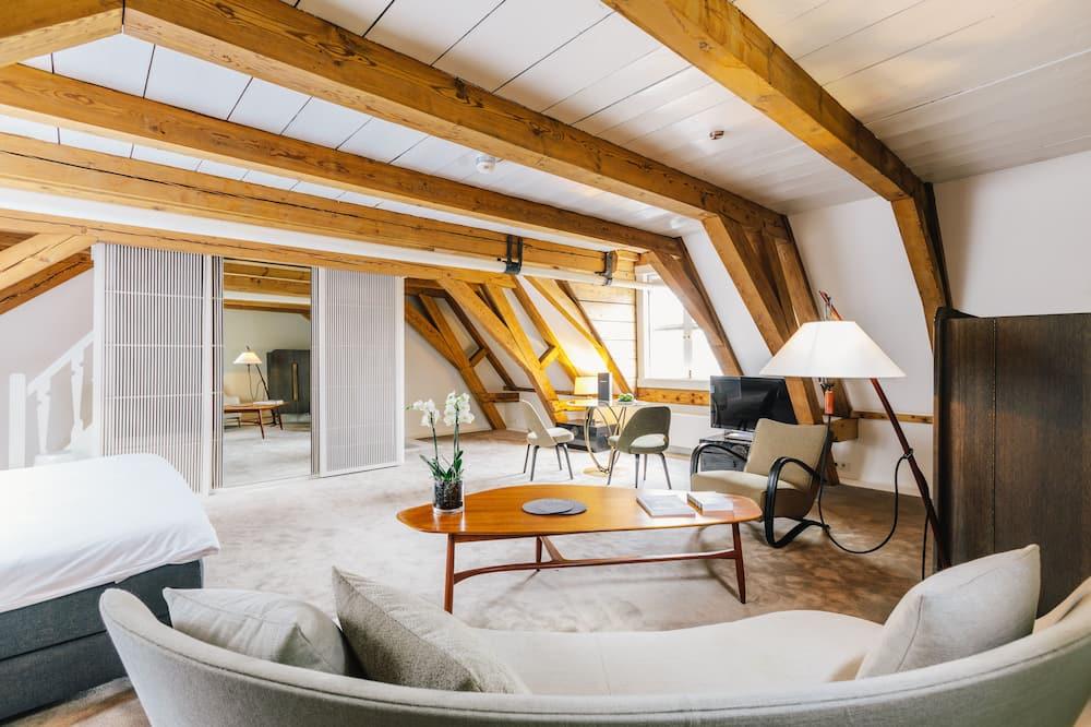 Superior Suite, Garden View - Living Area