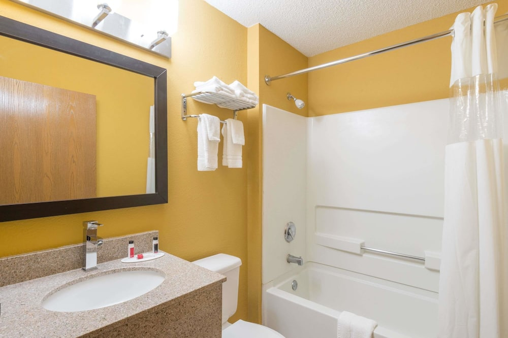 Oda, 1 Büyük (Queen) Boy Yatak, Sigara İçilmez - Banyo
