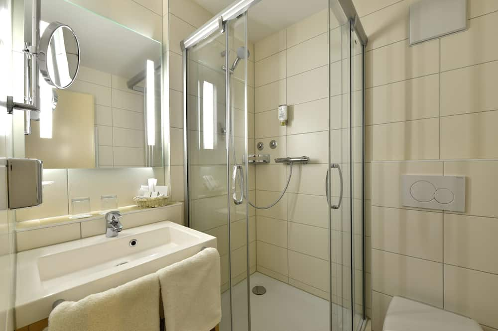 Двухместный бизнес-номер с 1 двуспальной кроватью, для некурящих - Ванная комната
