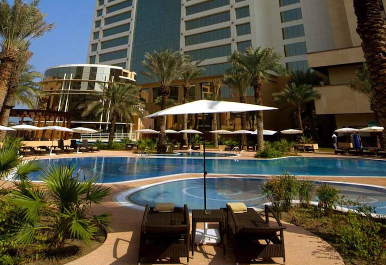 The Diplomat Radisson BLU Hotel, Residence & Spa, Manama, Pool