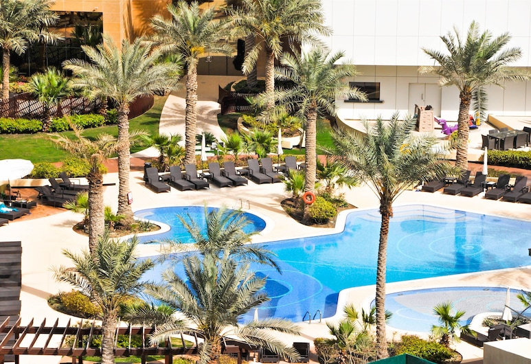 The Diplomat Radisson BLU Hotel, Residence & Spa, Manama, Hồ bơi ngoài trời