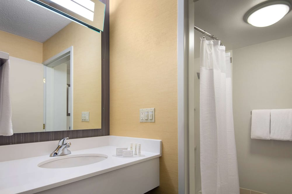 Номер «Делюкс», 2 двуспальные кровати «Квин-сайз» - Ванная комната