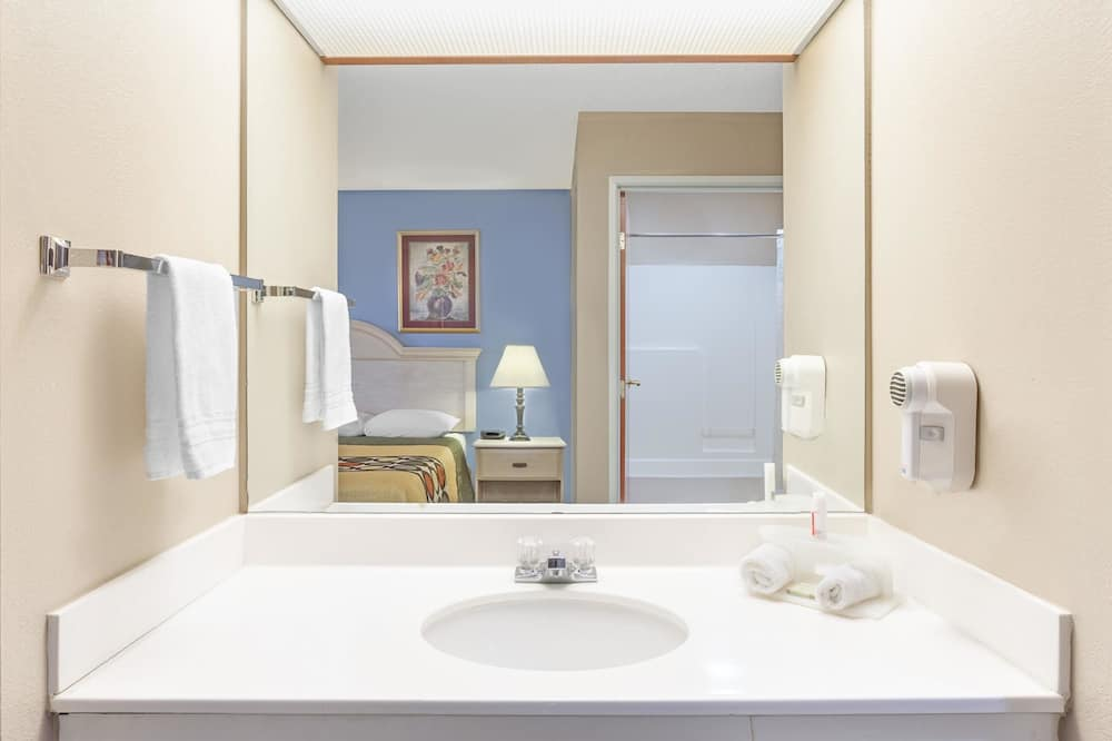 Værelse - 2 dobbeltsenge - ikke-ryger - Badeværelse
