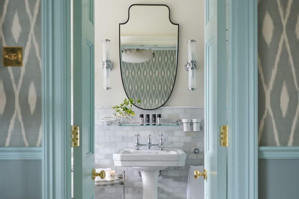 經典雙人或雙床房, 河景 - 浴室