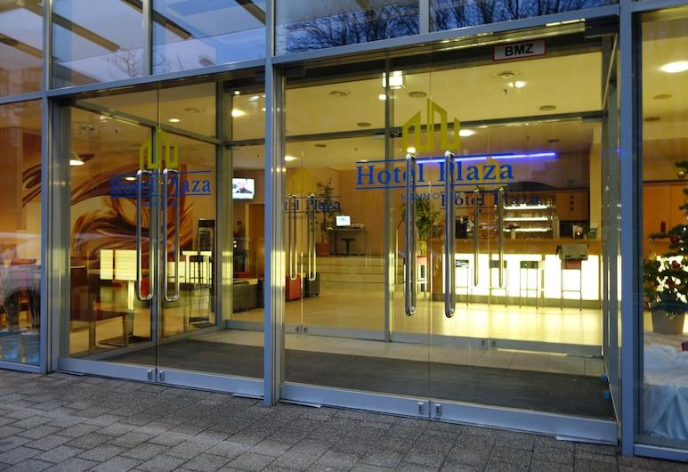 Hotel Plaza Hannover, Hannover, Vchod do hotelu