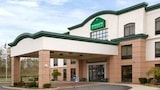 Reserve this hotel in Streetsboro, Ohio