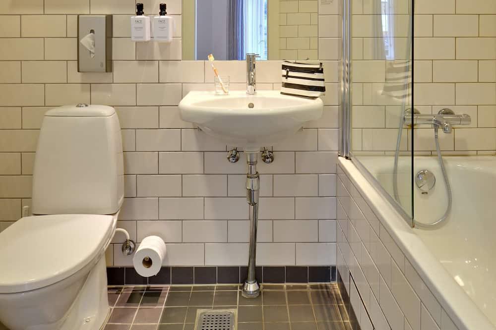 Superior szoba két külön ággyal, 2 egyszemélyes ágy (Extra) - Fürdőszoba