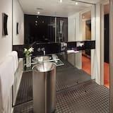 The Innside Room - Bathroom