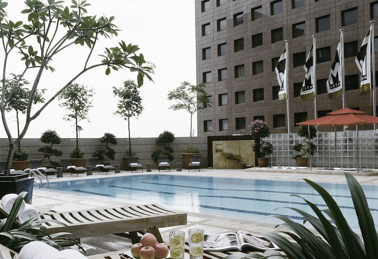 M Hotel Singapore, Singapore, Indoor/Outdoor Pool