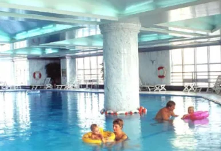รามาดา พลาซ่า เทียนหลู, อู่ฮั่น, สระว่ายน้ำ