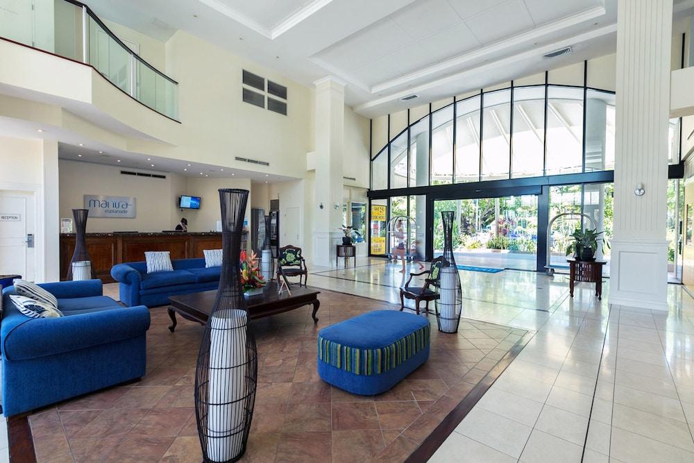 Mantra Esplanade Cairns Lobby