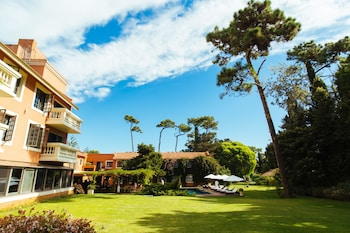 Enter your dates to get the Punta del Este hotel deal
